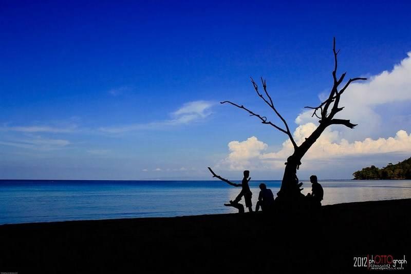 15. Damai di Pantai Nipa - Ghozali Qodratullah