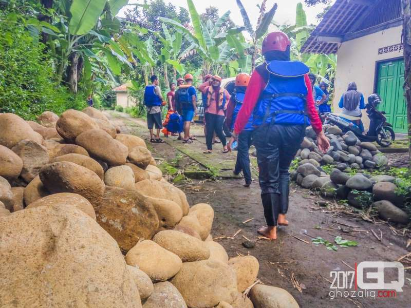 arung jeram rafting sungai bogowonto purworejo wisata jawa tengah