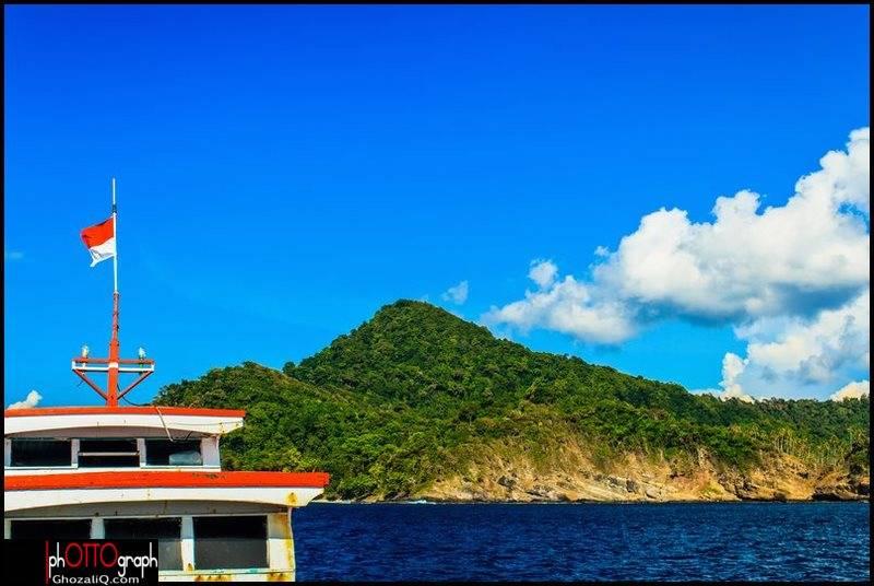 1._ghozaliq_pulau nasi dari rute kapal motor menuju pulau beras