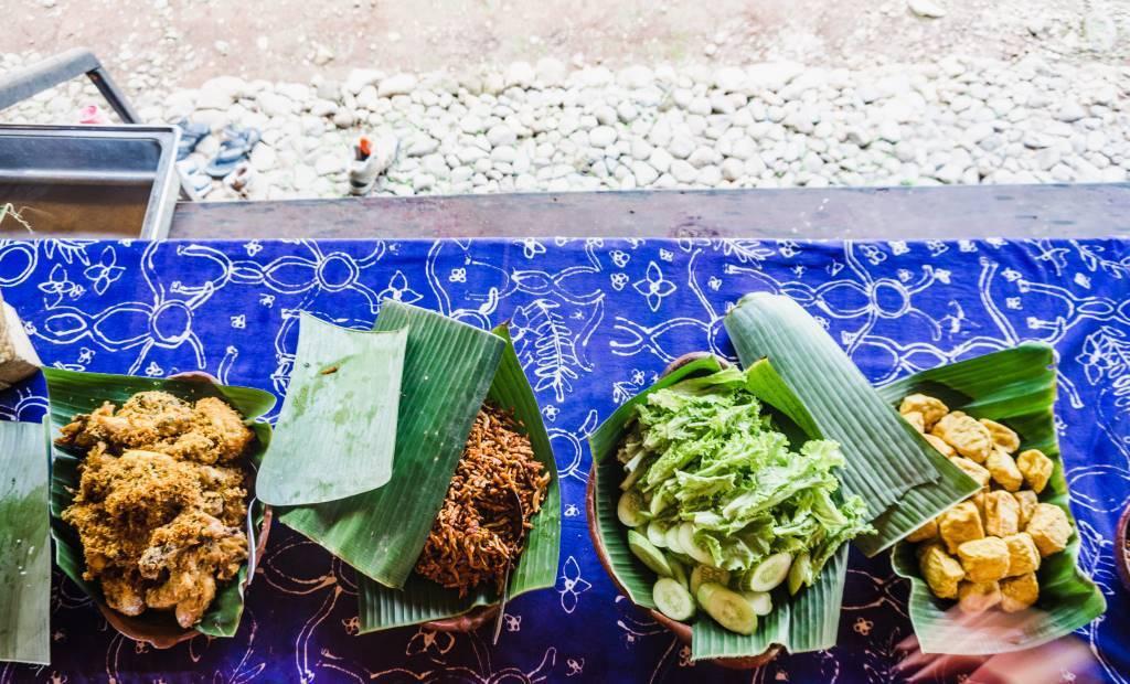 makan siang di sindangbarang