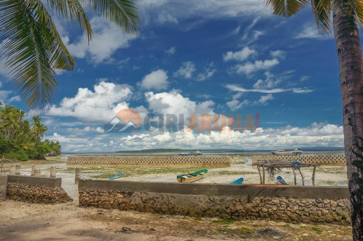 Pantai Desa Tongali